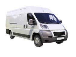 Bilden von einem weißen Transporter